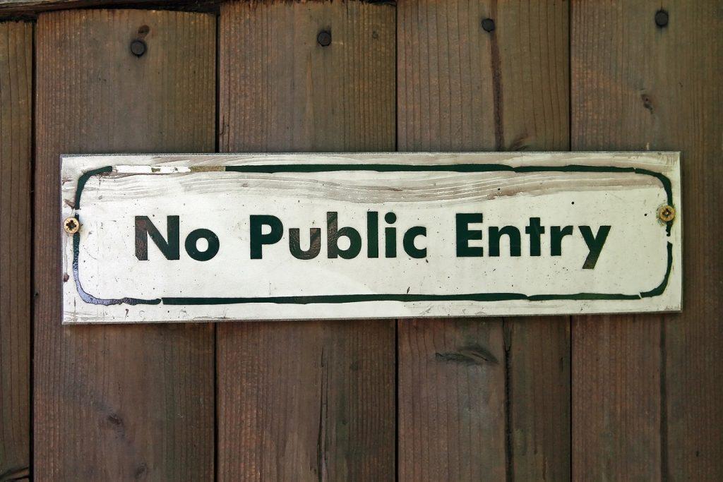 No uses IPs publicas en IoT